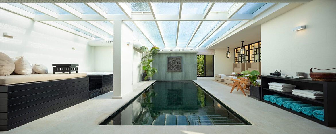 Indoor pool of Villa Jazmin