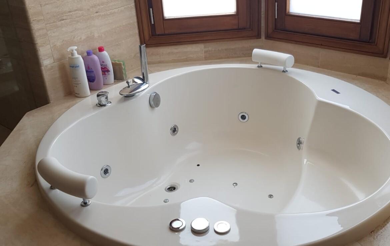 bath of sierra blanca villa